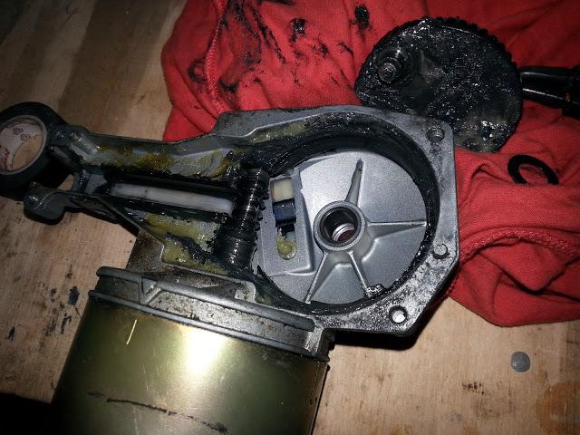 Td5, Scheibenwischermotor mit Getriebegehäuse und Endabnschalter/Parkschalter