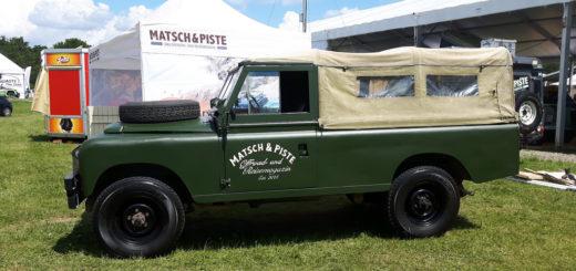 Land Rover Serie IIa - Fix und fertig als Ausstellungsfahrzeug auf der Abenteuer & Allrad 2018.