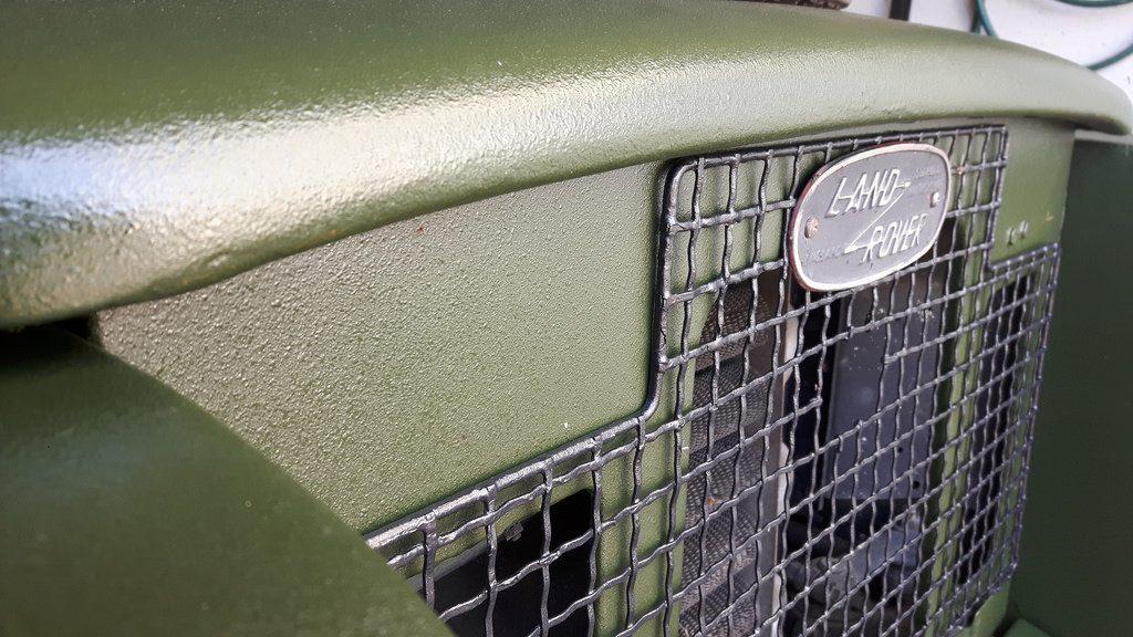 Land Rover Serie IIa - Die spezielle und nützliche Caliper-Struktur des Naviton Lacks.