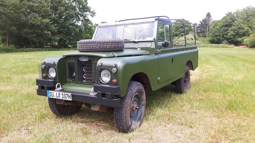 Land Rover Serie IIa - So kam sie bei Naviton aus der Halle.