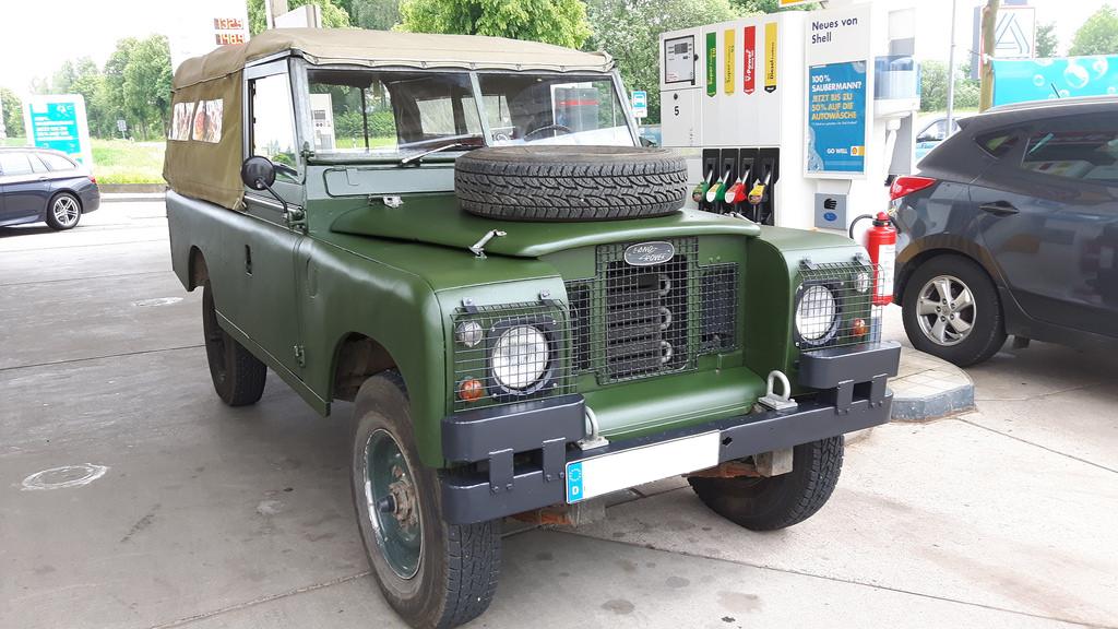 Land Rover Serie IIa - Auf dem Heimweg von Naviton.