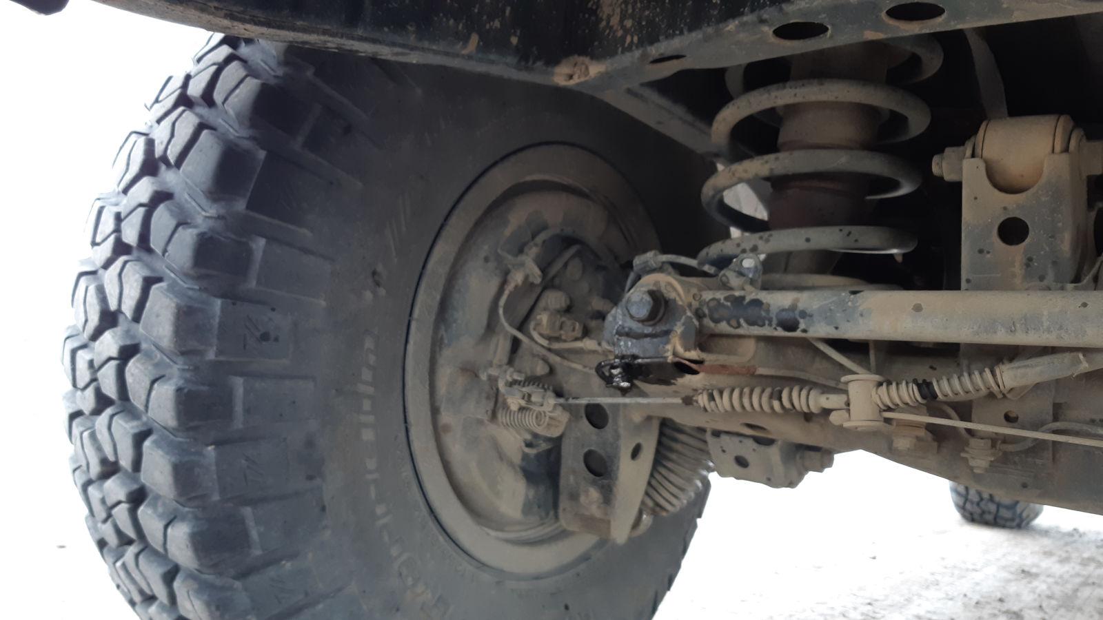 Durchgescheuerte Bremsleitung am Toyota Land Cruiser.